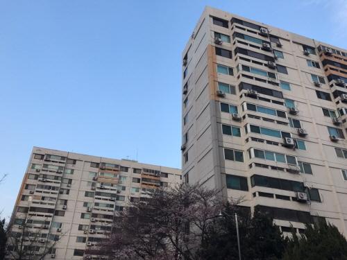 여의도 시범 아파트 모습.ⓒEBN