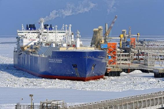 대우조선해양이 건조한 세계 최초의 쇄빙LNG선인
