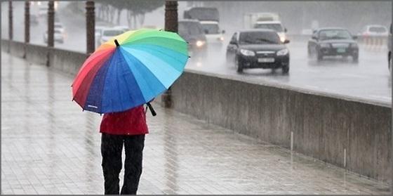 월요일인 10일은 전국 곳곳에 비가 내리겠다. 다만 비는 오후 들어 차차 개겠다.ⓒ연합뉴스