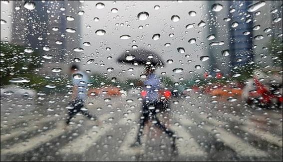 일요일인 21일 전국이 흐리고 비가 내리다가 오후에 대부분 그치겠다.ⓒEBN