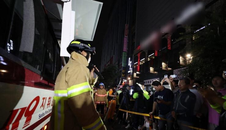 광주의 한 클럽에서 발생한 복층 구조물 붕괴사고의 사망자가 2명으로 늘었다ⓒ연합뉴스