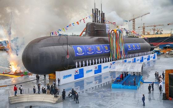 대우조선해양이 건조중인 3000톤급 잠수함 도산안창호함(장보고-III 1차사업 1번함) 진수식 모습.ⓒ대우조선해양