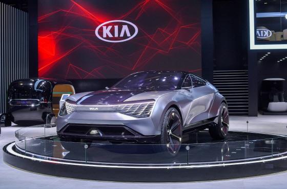 기아차의 전기차 기반 SUV 쿠페 콘셉트