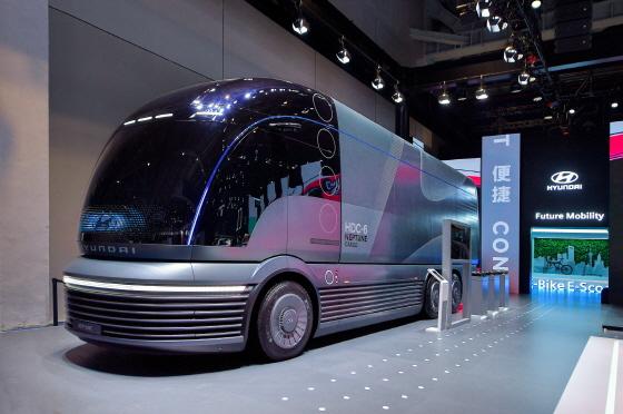 현대차의 수소 전용 대형 트럭 콘셉트