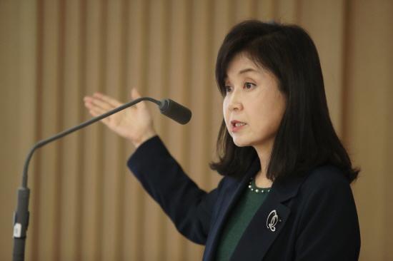기준금리가 역대 최저인 연 1.25%로 다시 내려간 지난 10월 한국은행 금융통화위원회에서