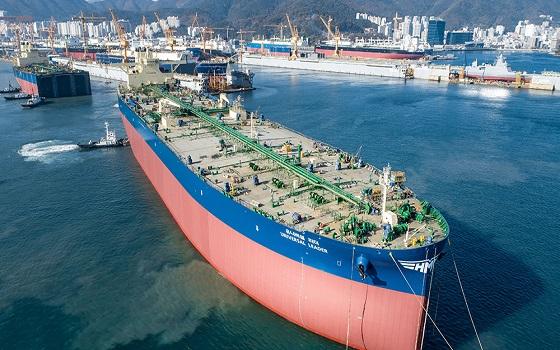 현대상선이 보유한 30만톤급 초대형 유조선(VLCC) 유니버셜 리더호.ⓒ현대상선