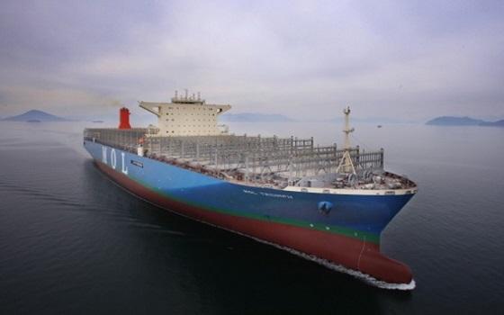 삼성중공업이 건조한 2만150TEU급 컨테이너선이 바다를 항해하고 있다.ⓒ삼성중공업