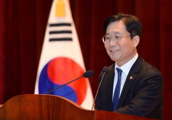 산업통상자원부 성윤모 장관.