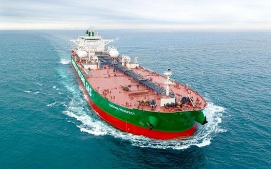 현대삼호중공업이 건조한 세계 최초 액화천연가스(LNG)추진 초대형 원유운반선(VLCC) 가가린 프로스펙트호가 바다를 항해하고 있다.ⓒ현대삼호중공업