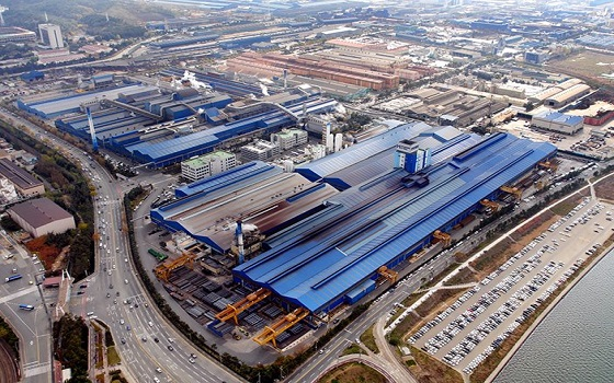 전기로를 가동해 철근과 H형강 등을 생산하는 현대제철 포항공장 전경.ⓒ현대제철