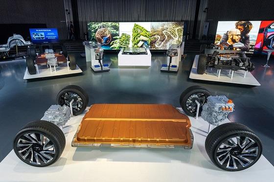 GM 신형 얼티엄(Ultium) 배터리와 차세대 전기차 플랫폼 공개 ⓒ한국지엠