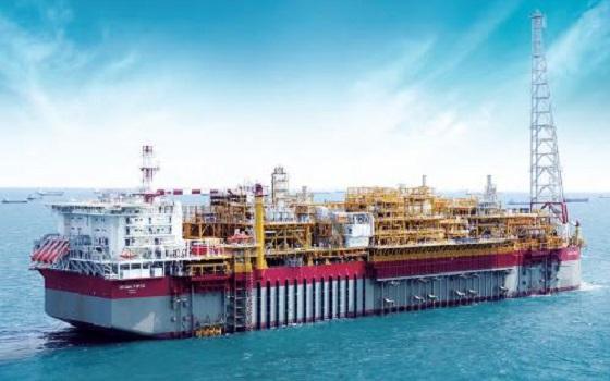 현대중공업이 건조한 토탈(의 부유식 원유 생산·저장·하역 설비(FPSO).ⓒ현대중공업