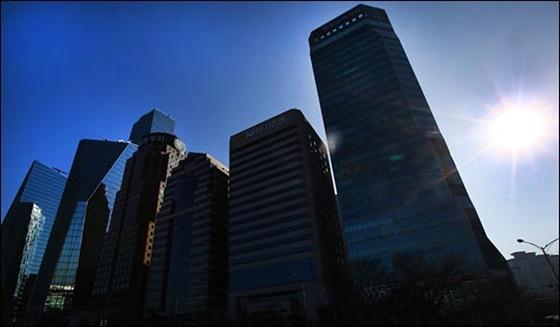 서울 여의도에 건물들이 높게 들어서 있는 모습, 본문과 무관함.ⓒ데일리안DB
