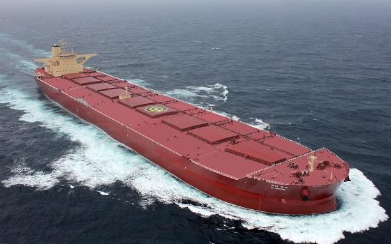 현대중공업그룹의 항해지원시스템(HiNAS)이 적용된 SK해운의 초대형 광석 운반선(VLOC) 케이호프(K.Hope)호가 바다를 항해하고 있다.ⓒ현대중공업그룹