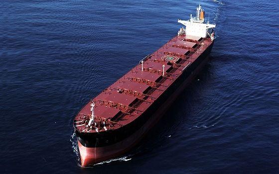 에이치라인해운이 보유한 벌크선이 바다를 항해하고 있다.ⓒ에이치라인해운