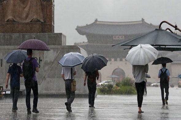 화요일인 26일 남해안을 제외한 전국 대부분 지역에서 비가 내리겠다. 미세먼지는 전 권역에서