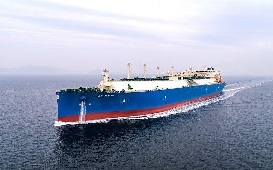 대우조선해양이 그리스 마란가스로부터 수주해 건조한 액화천연가스(LNG) 운반선이 바다를 항해하고 있다.ⓒ대우조선해양