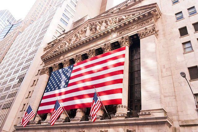뉴욕증시에서 주요 지수는 미국의 5월 신규고용이 큰 폭 증가하고 실업률은 하락하는 등 고용지표가 예상외 호조를 보인 데 힘입어 급등했다.ⓒEBN