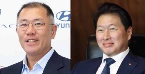 (좌) 정의선 현대차 부회장 (우) 최태원 SK 회장ⓒ각사
