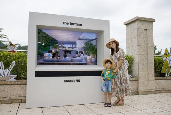 삼성전자 모델들이서울신라호텔 야외 수영장