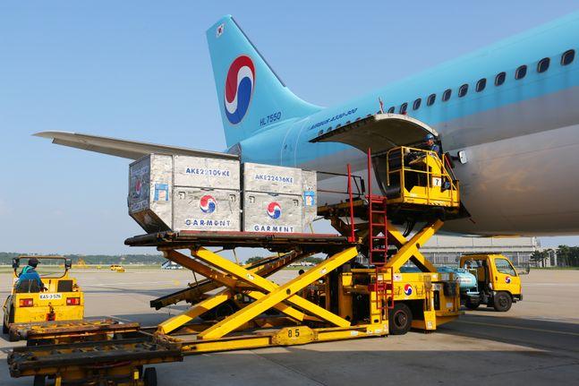 코로나19(신종 코로나바이러스 감염증) 여파로 글로벌 항공사들이 적자 늪에 허덕이고 있는 가운데 대한항공이 2분기 1500억원 가까운 영업이익을 올리며 흑자전환에 성공했다ⓒ대한항