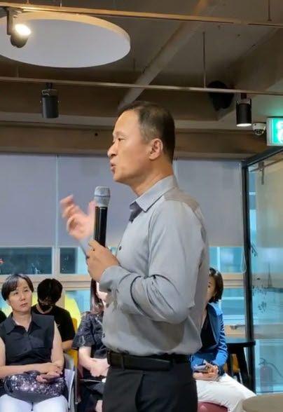 """수천억원대 자산가인 김승호 스노우폭스 회장은 """"투자 생태계를 학습한 개인투자자들이 네트워크를 구축해 정보를 공유하고 집단지성을 활용한 결과""""라고 설명했다.ⓒEBN"""