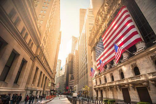 뉴욕증시에서 주요 지수는 소비와 산업생산 등 미국의 주요 지표가 엇갈리면서 혼조세를 나타냈다.ⓒEBN