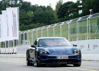 [시승기] 포르쉐 911의 전기차 버전 '타이칸'…야누스의 두얼굴