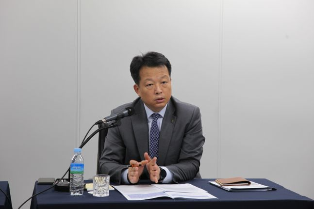 최대현 산은 부행장이 11일 온라인으로 진행된 간담회에서 아시아나 정상화에 대해 설명하고 있다.ⓒKDB산업은행