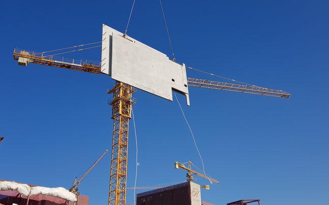 현대건설이 아파트 건설현장에서 프리캐스트 콘크리트(PC)를 활용해 시공하고 있다.ⓒ현대건설