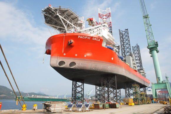 삼성중공업이 건조한 세계 최대 해상풍력발전기설치선 '퍼시픽 오르카(Pacific Orca)'호 전경.ⓒ삼성중공업