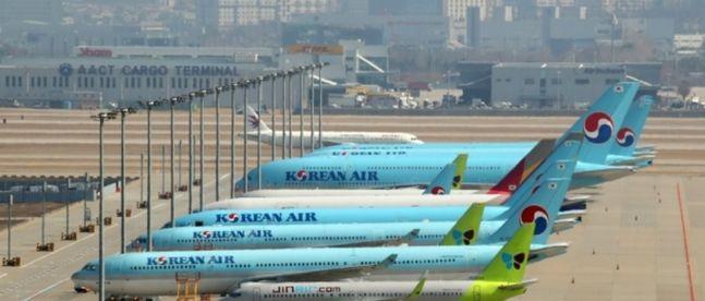 코로나19(신종 코로나바이러스 감염증) 여파 속에 추석을 맞은 항공업계가 추석 이벤트 대신 국내선 대폭 할인에 나섰다. ⓒ연합