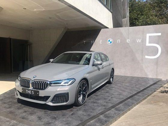 BMW 신형 5시리즈 (전시 모델: 540i) ⓒEBN